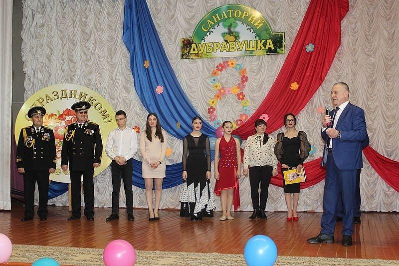 """Празднование международного женского дня в """"Дубравушке"""""""